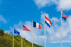 Bandeiras internacionais nas Caraíbas Imagens de Stock