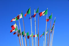 Bandeiras italianas foto de stock