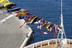 Bandeiras na curva fotografia de stock royalty free