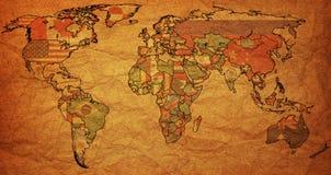 Bandeiras no mapa político velho do mundo Imagens de Stock Royalty Free