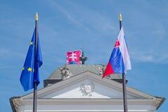 Bandeiras no palácio de Grassalkovich, Bratislava Foto de Stock Royalty Free