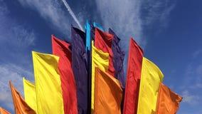 Bandeiras no vento