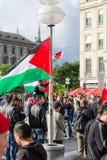Bandeiras palestinas, slogan e cartazes Fotos de Stock