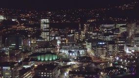 Bandeja aérea, skyline da cidade na noite 4k filme