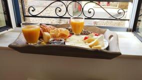 Bandeja com o café da manhã francês video estoque