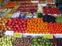 Bandeja con la fruta Imagen de archivo libre de regalías