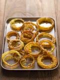 Bandeja de anillos de cebolla Fotos de archivo libres de regalías