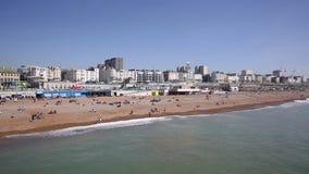Bandeja de Inglaterra Reino Unido da praia de Brighton England video estoque