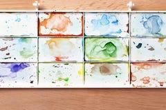Bandeja de la pintura de la acuarela Imagen de archivo