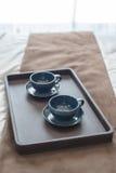 Bandeja de taza vacía negra del café sólo Fotografía de archivo