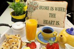 Bandeja del desayuno foto de archivo libre de regalías