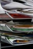 Bandeja del papel sucia con los papeles Imágenes de archivo libres de regalías