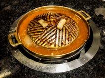 Bandeja fritada usada oleosa suja da grade de bronze Imagem de Stock Royalty Free