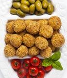 Bandeja italiana sana del aperitivo con las bolas Arancini, Gre del Risotto Imagenes de archivo