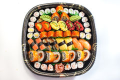 Bandeja japonesa fresca do sushi fotografia de stock