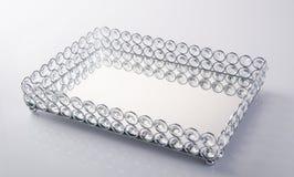 Bandeja ou Crystal Serving Tray no fundo fotografia de stock