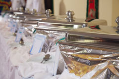 Bandejas heated de la comida fría fotografía de archivo libre de regalías