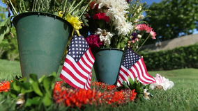 Bandera americana en el cementerio conmemorativo militar