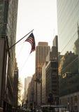 Bandera americana en New York City fotografía de archivo libre de regalías
