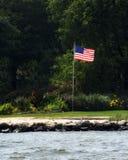 Bandera americana en un día de verano Foto de archivo libre de regalías
