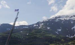 Bandera americana en Whittier, Alaska Fotos de archivo