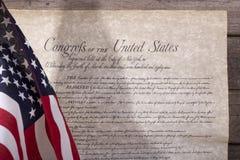 Bandera americana y la Declaración de Derechos Imágenes de archivo libres de regalías