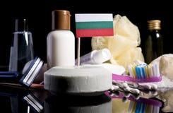 Bandera búlgara en el jabón con todos los productos para la gente Imágenes de archivo libres de regalías