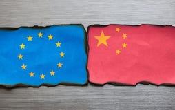 Bandera china y europea de lado a lado Fotografía de archivo libre de regalías