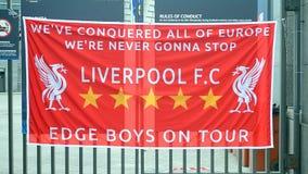 Bandera como símbolo de la liga de campeones de UEFA, Kiev, Ucrania de Liverpool almacen de metraje de vídeo