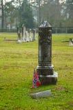 Bandera confederada en una lápida mortuaria foto de archivo libre de regalías