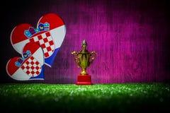 Bandera de Croacia, campeón de oro \ 'taza de s en hierba Deporte del concepto Fotos de archivo libres de regalías