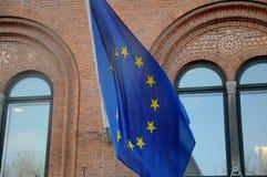 Bandera de Euopean en el medio palo en el europahuset Fotografía de archivo