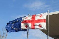 Bandera de Georgia y de la UE Fotos de archivo libres de regalías