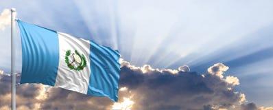 Bandera de Guatemala en el cielo azul ilustración 3D Foto de archivo libre de regalías