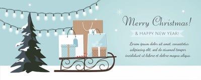 Bandera de la Feliz Navidad y del Año Nuevo con el árbol de navidad, las cajas de regalo y la guirnalda en fondo azul libre illustration