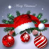 Bandera de la Navidad con las bolas de Santa Claus Hat y de la decoración Fotos de archivo