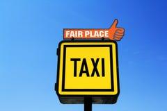 Bandera de la parada del taxi fotografía de archivo libre de regalías