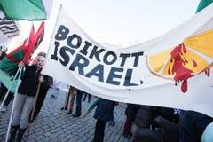 Bandera de la protesta de Palestina: Boicoteo Israel Imagen de archivo