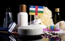 Bandera de la República Centroafricana en el jabón con todos los productos para la gente Fotos de archivo