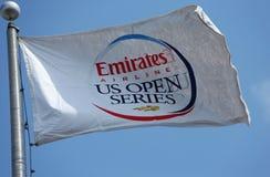 Bandera de la serie del US Open de la línea aérea de los emiratos en Billie Jean King National Tennis Center durante el US Open 20 Imagen de archivo libre de regalías