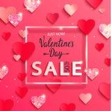 Bandera de la venta de día de San Valentín con los corazones brillantes de papel del brillo foto de archivo libre de regalías