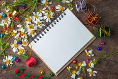 Bandera de madera del fondo de la Navidad y del Año Nuevo Imagen de archivo libre de regalías