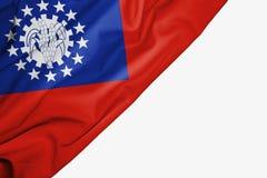 Bandera de Myanmar o de Birmania de la tela con el copyspace para su texto en el fondo blanco ilustración del vector