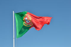 Bandera de Portugal en el viento Fotos de archivo