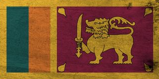 Bandera de Sri Lanka en fondo de madera de la placa Textura de la bandera de Sri Lanka del Grunge fotografía de archivo
