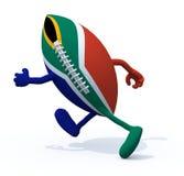 Bandera de Suráfrica en bola de rugbi con los brazos y piernas que corren lejos Fotos de archivo libres de regalías