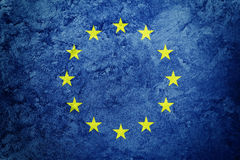Bandera de unión de Europa del Grunge La UE señala por medio de una bandera con textura del grunge imagenes de archivo