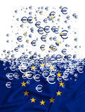 Bandera de unión europea que disuelve como simbol de la crisis Fotografía de archivo libre de regalías