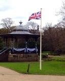 Bandera de Union Jack en un polo Imagenes de archivo