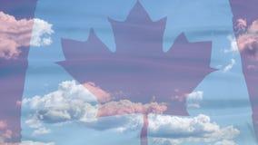 Bandera del cielo de Canadá metrajes
